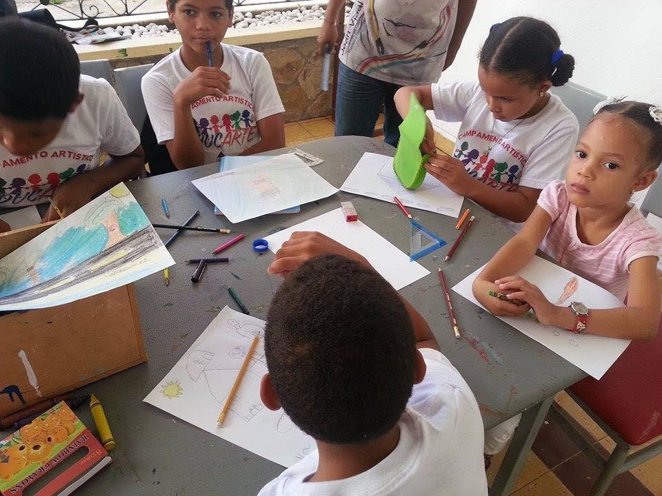 Programa en Santiago con Colectivo 5 en la Galeria Triptipico